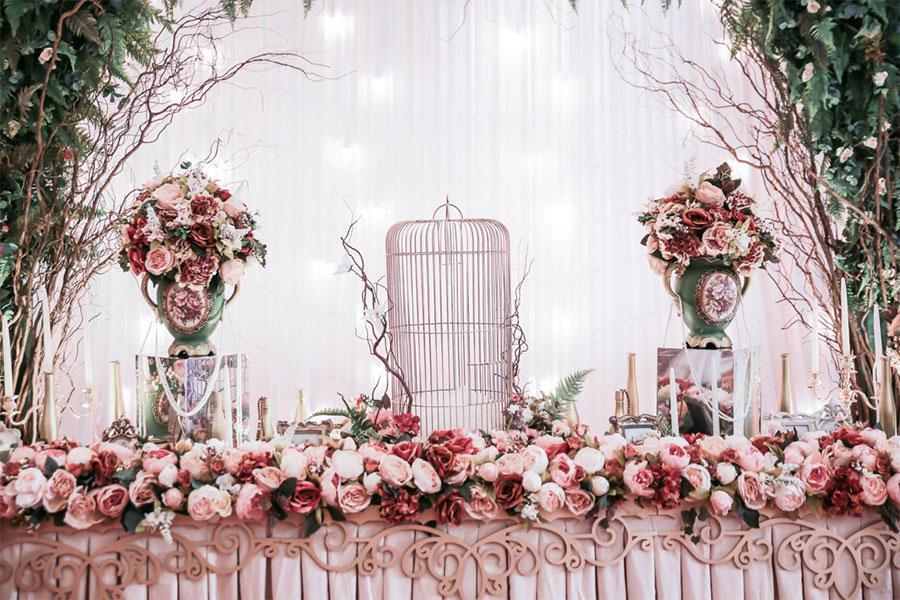 Bỏ túi 5 kinh nghiệm đặt tiệc cưới mà các cặp uyên ương không thể bỏ qua